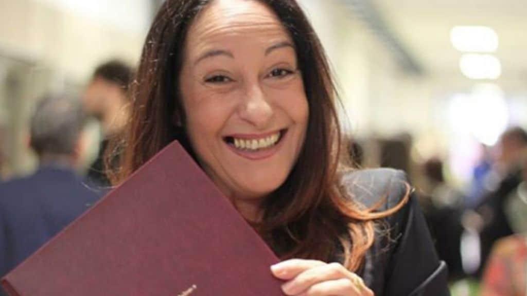 Paola Taverna si è laureata