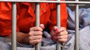 Partorisce da sola in una prigione inglese, ma il neonato muore. Si riaccende il dibattito sulle condizioni di donne e bambini in carcere. Le associazioni di beneficenza insorgono (Immagine di repertorio)