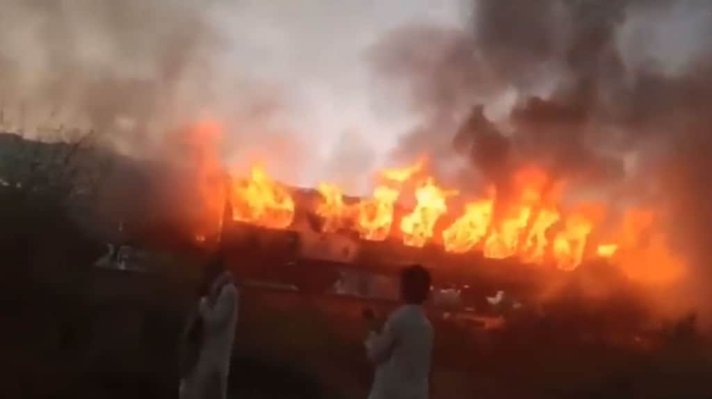 Treno in fiamme, è strage: 73 morti e 42 feriti •
