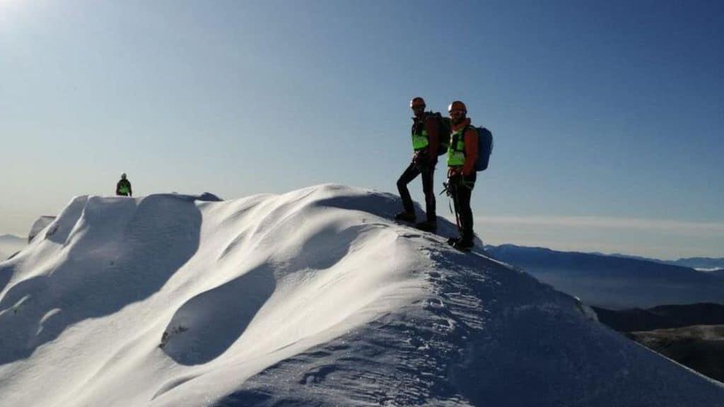 Da ieri sera il Soccorso Alpino cerca un 30enne disperso sul Gran Sasso. Per ora ritrovate solo auto e bici dell'escursionista scomparso (Foto: Twitter Corpo Nazionale Soccorso Alpino e Speleologico)