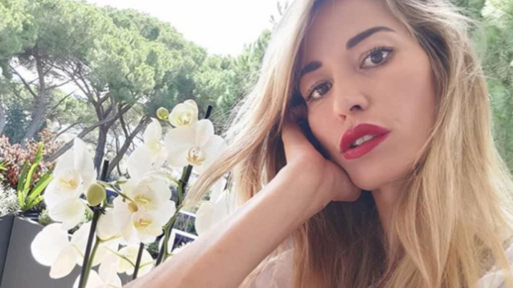Elena Santarelli selfie