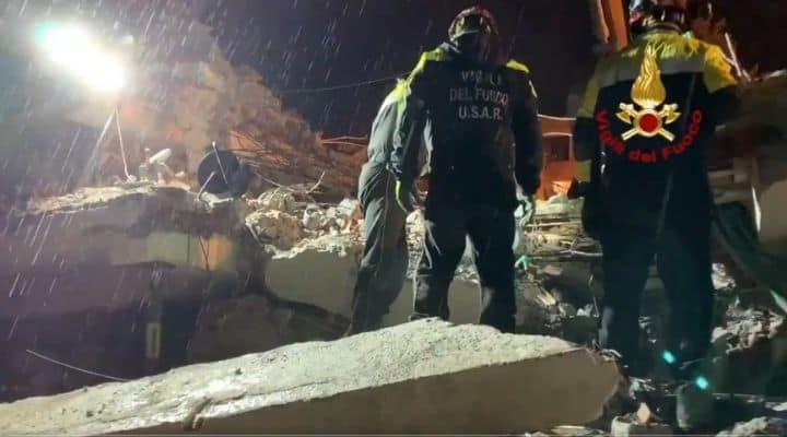 Vigili del Fuoco dopo il terremoto in Albania