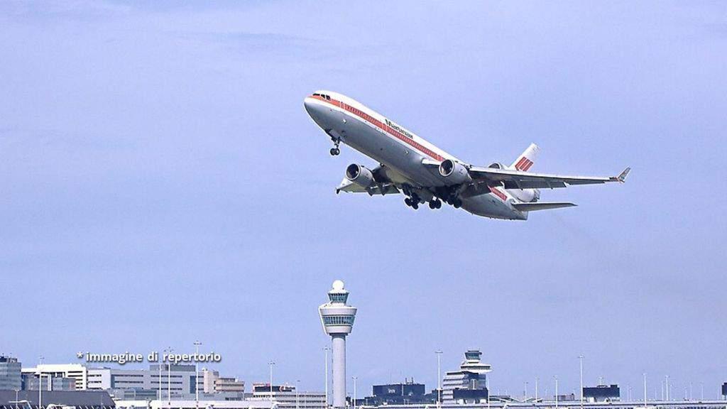 aereo in fase di decollo