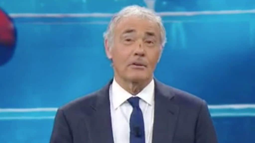 Massimo Giletti in primo piano col naso rotto