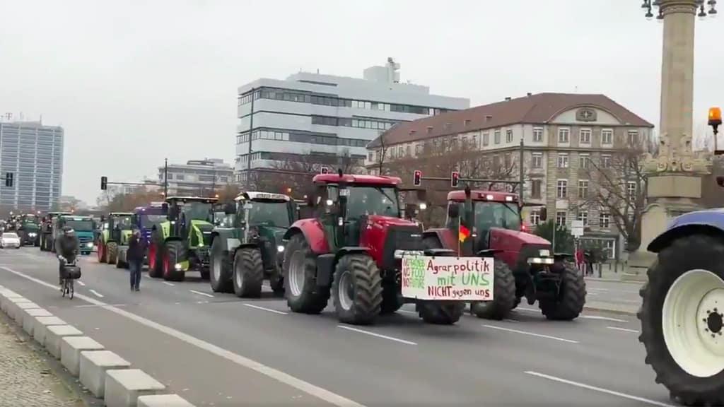 protesta trattori berlino