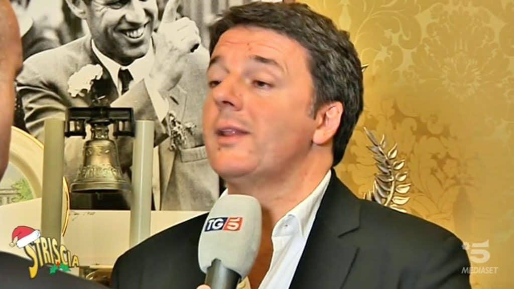 """Matteo Renzi, strano fuorionda: """"Stavo per dire la verità, m"""