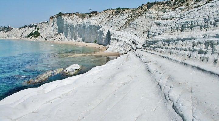 Scala dei Turchi: la famosa scogliera siciliana si sta sbric