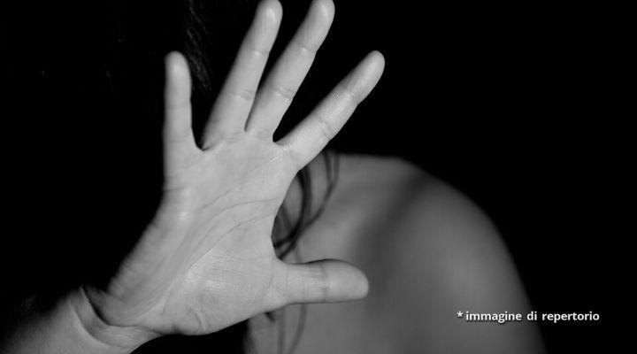 Donna vittima di violenze