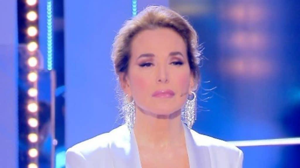 Barbara D'Urso bacia Asia Argento e Luxuria e lancia un impo