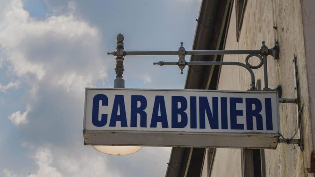 Bologna, custode sente rumori e spara ai ladri: indagato per