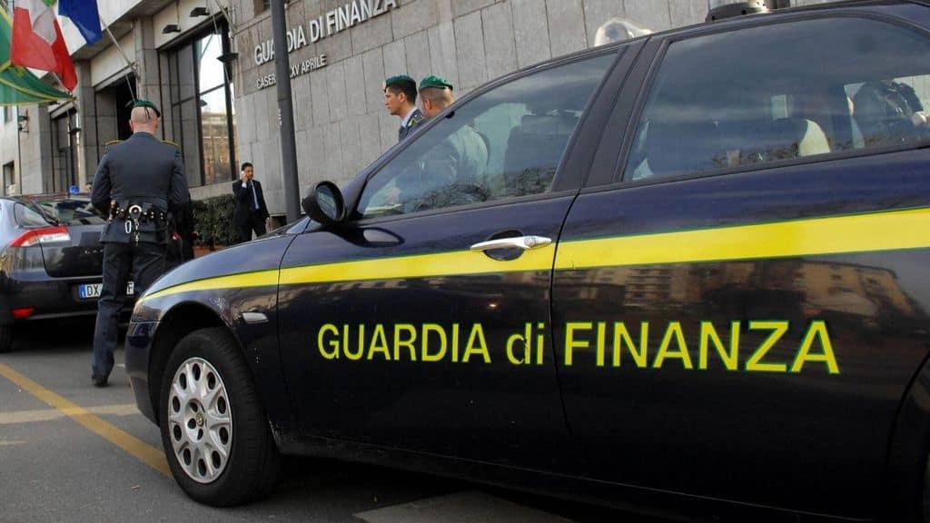 volante della guardia di finanza