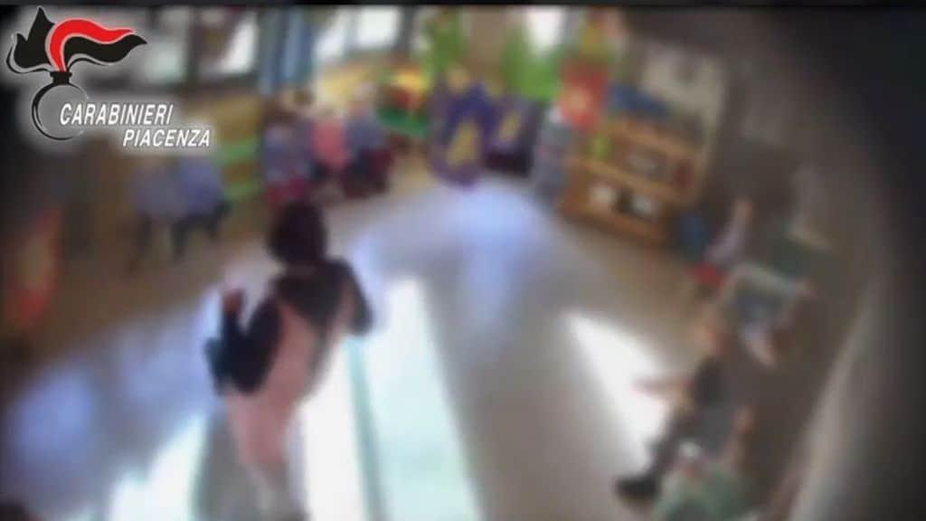 le immagini dei maltrattamenti sui bambini