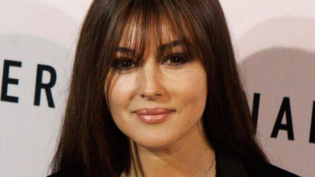 Monica Bellucci, ritorno di fiamma, baci con l'ex Nicholas Lefebvre: le foto