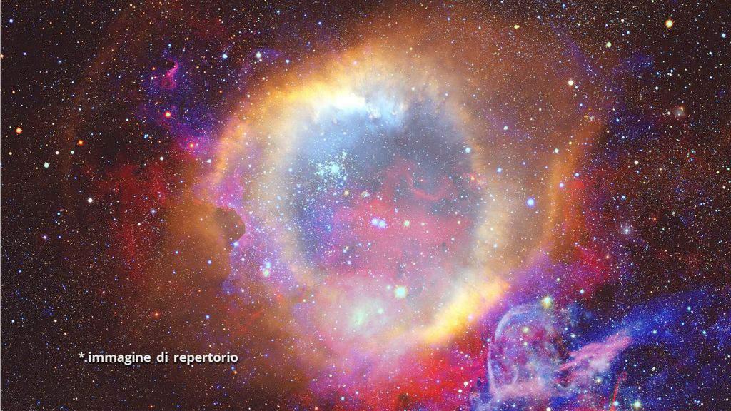 nuvole carbonio gassoso universo
