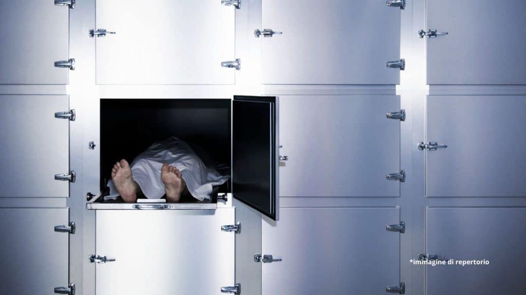74enne creduto morto e messo nel freezer si risveglia all'improvviso
