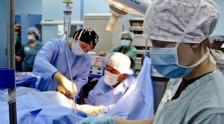 operazione chirurgica, ospedale, medici