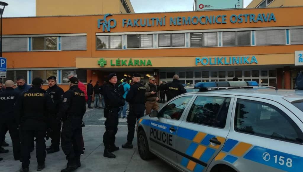 Repubblica Ceca, sparatoria nell'ospedale di Ostrava: 6 morti