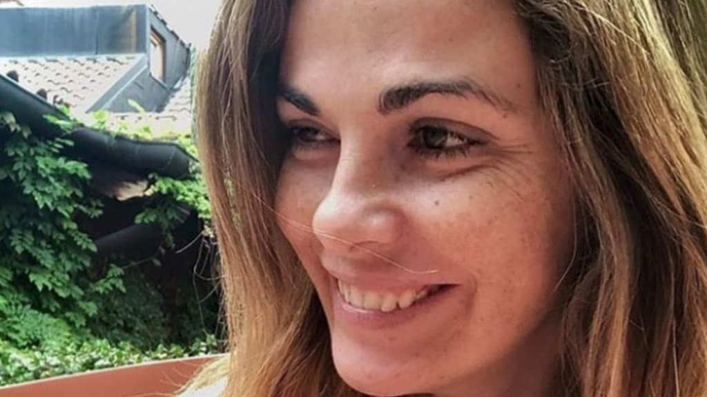 Vanessa Incontrada venditrice ambulante: la foto stupisce i fan