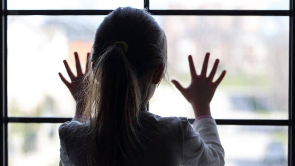 Napoli, violenza sessuale su una bambina di 11 anni: indagat