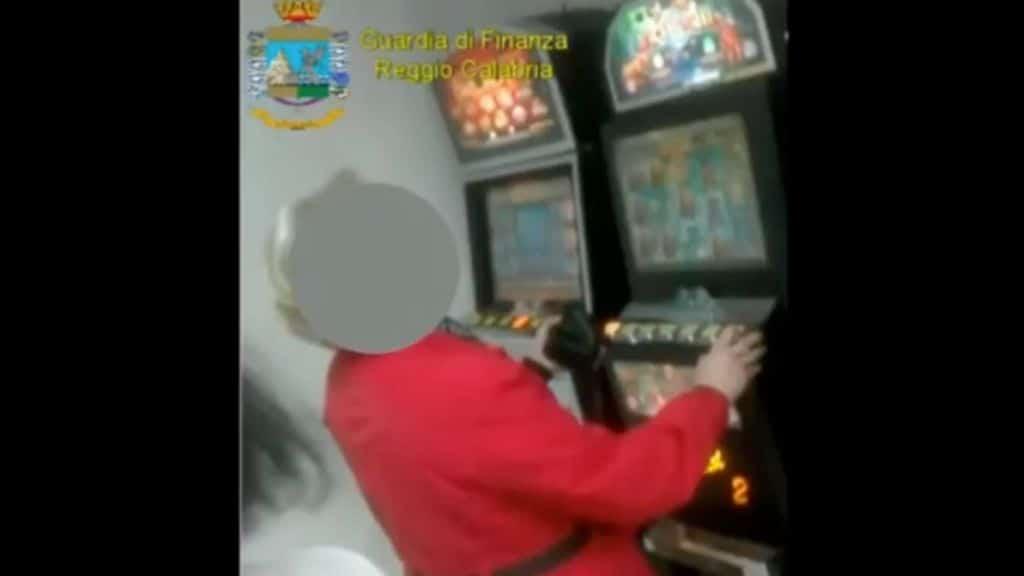 donna alla slot machine