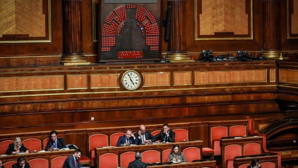Taglio dei parlamentari, la Cassazione dà il via libera al r