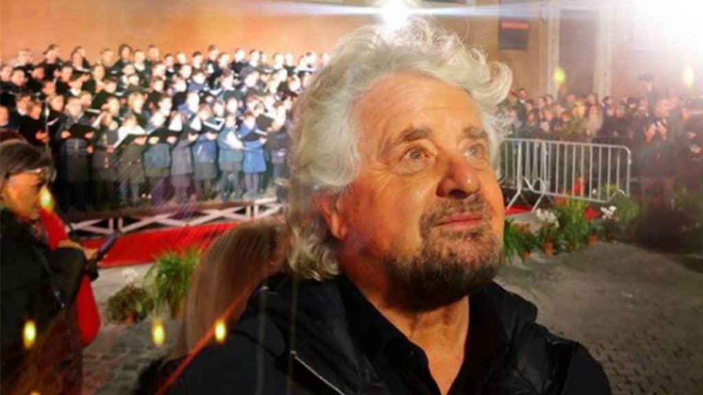 """Beppe Grillo costretto ad annullare il tour, annuncia: """"Mi d"""