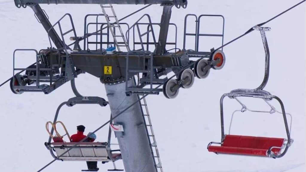 Un bambino è scivolato dalla seggiovia a Bolzano ma un medico l'ha afferrato eroicamente al volo, portandolo in salvo (Immagine di repertorio)