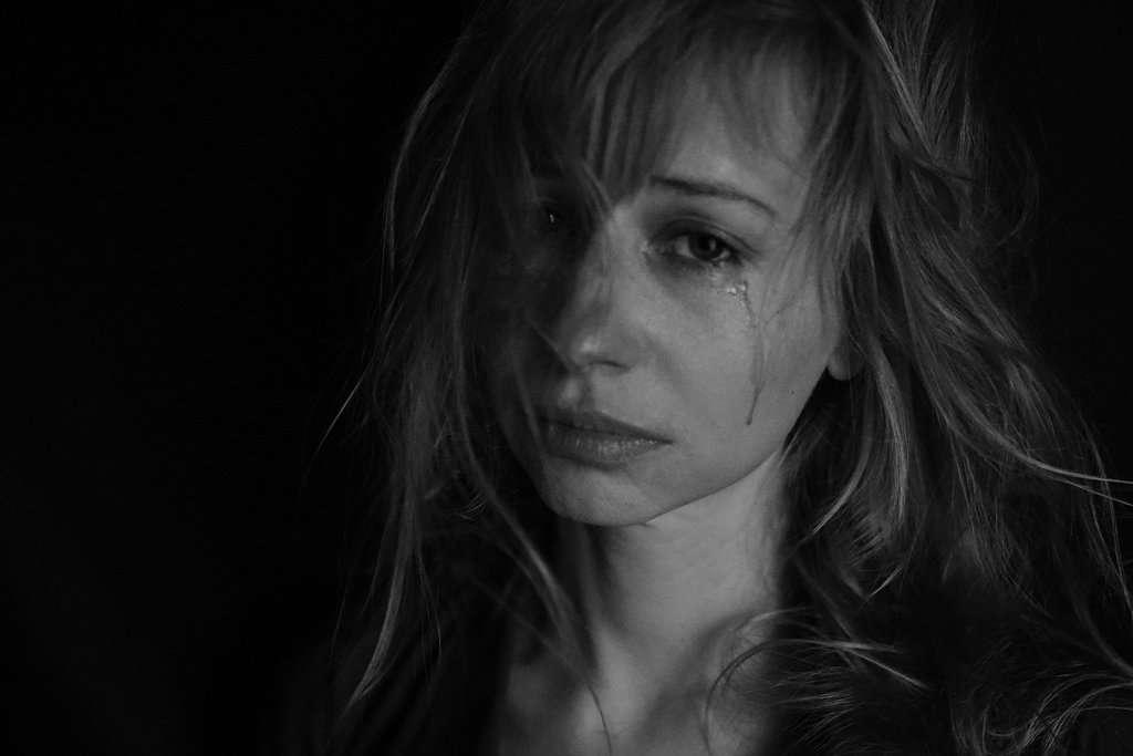 donne- violenza- pianto