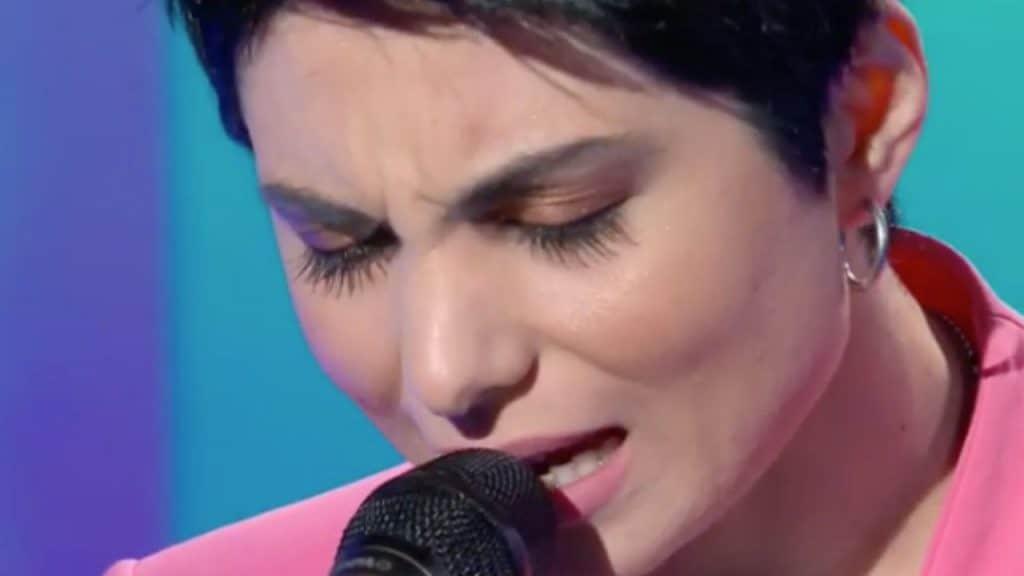 """Il testo di """"Come mia madre"""", canzone di Giordana Angi a San"""