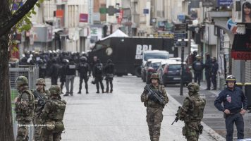 militari parigi