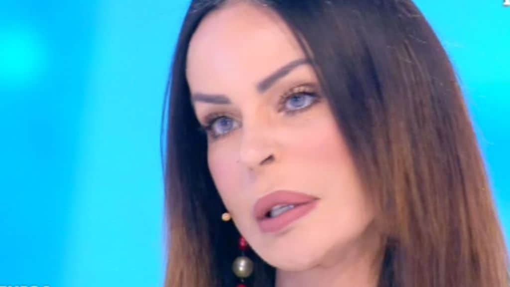 Nina Moric a Domenica Live