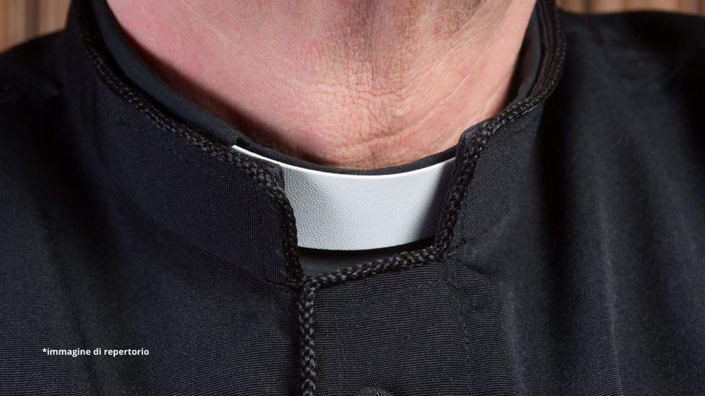 colletto di un prete