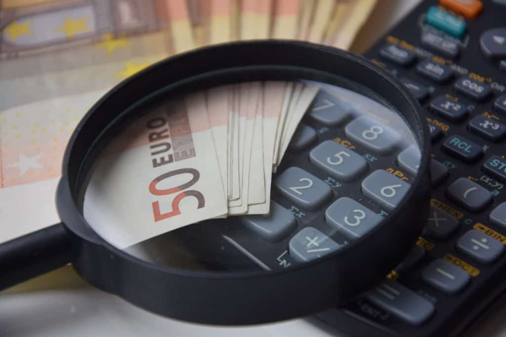 Calcolatrice e soldi