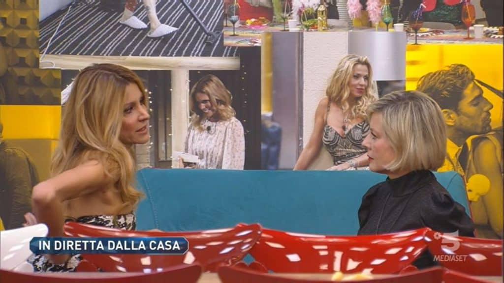 Adriana Volpe con Antonella Elia