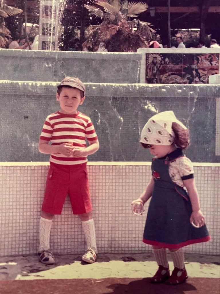Paolo Borzacchiello e la sorella da bambini