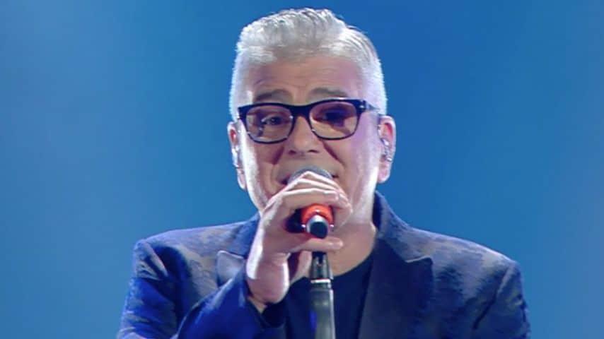 Michele Zarrillo canta Nell'estasi o nel fango