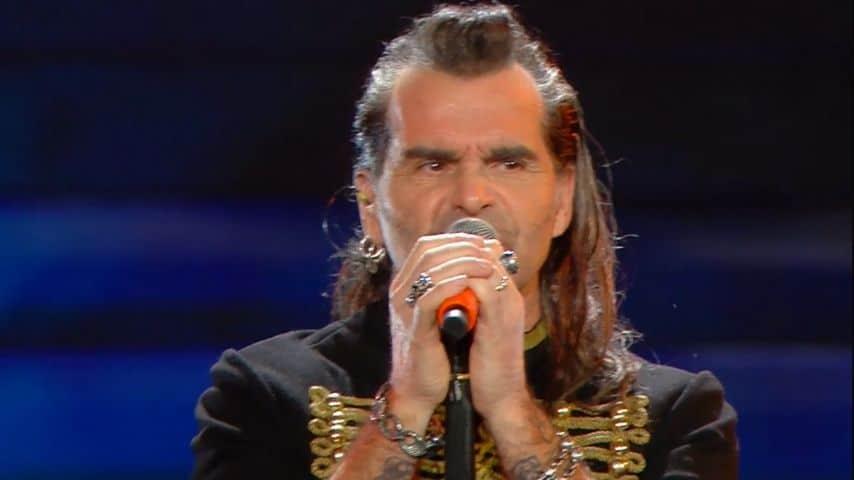 Piero Pelù canta Gigante