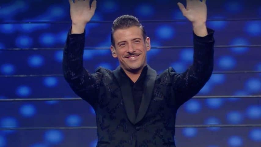Francesco Gabbani fa il suo ingresso all'Ariston