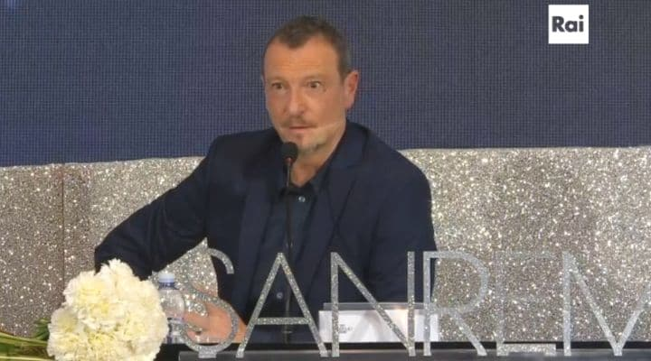 Amadeus alla conferenza stampa di Sanremo