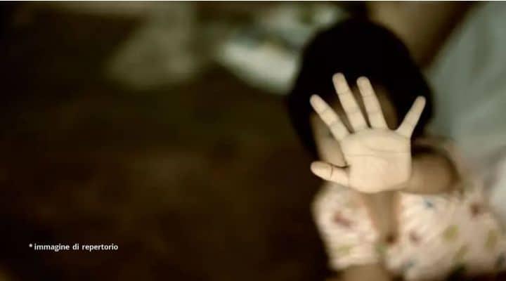 Abusi su una bambina piccola