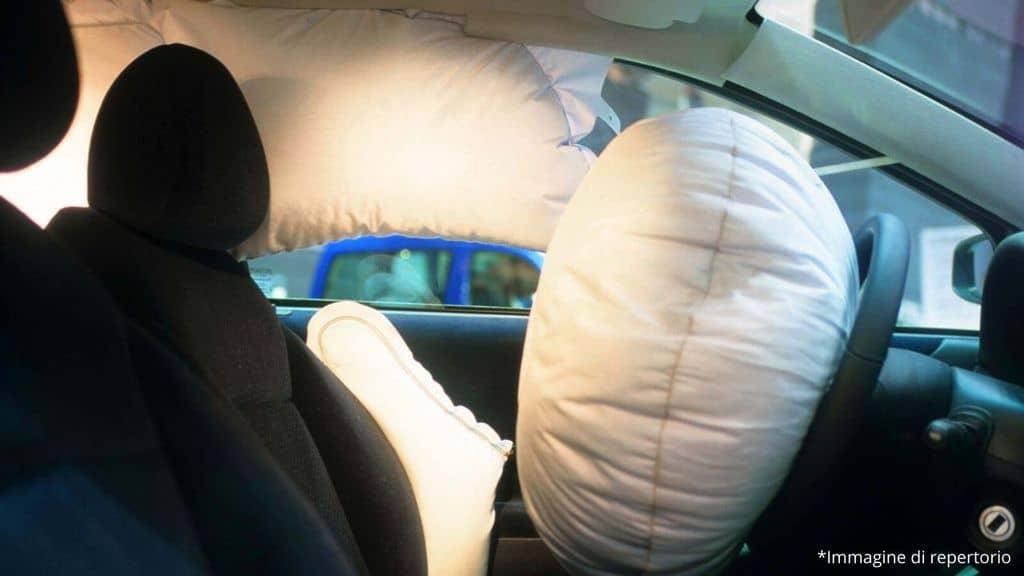 un airbag nell'auto