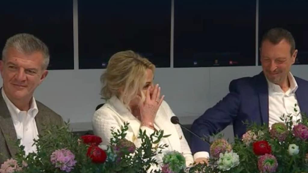 Antonella Clerici si commuove a Sanremo