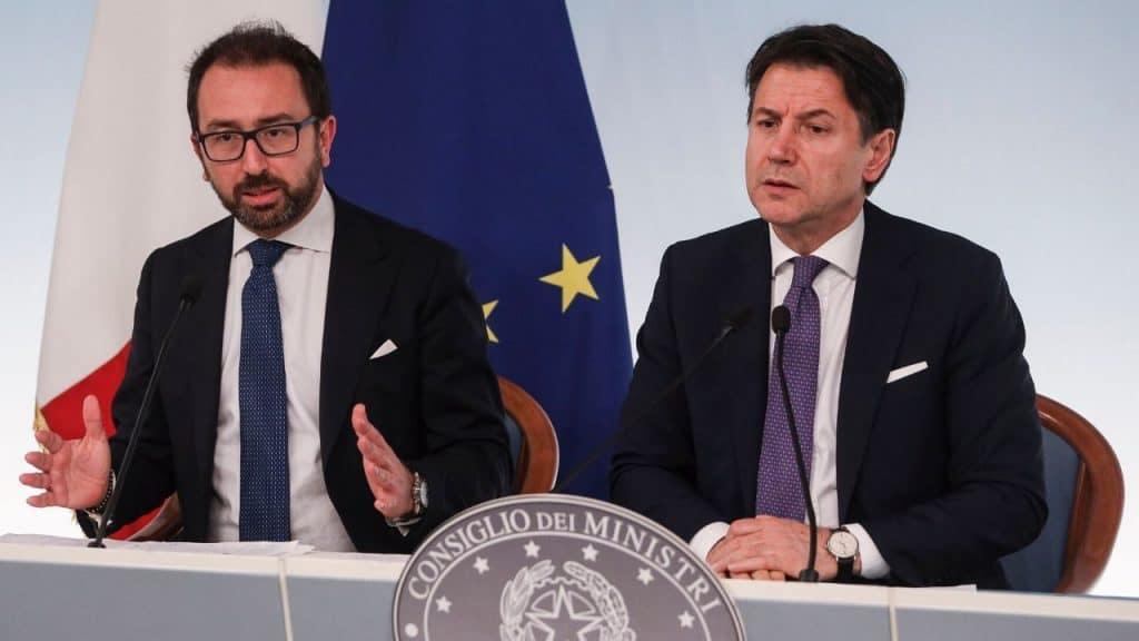 Conte attacca le opposizioni, Salvini e Meloni reagiscono al