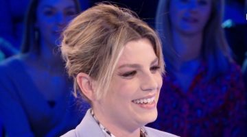 emma marrone sorridente, primo piano