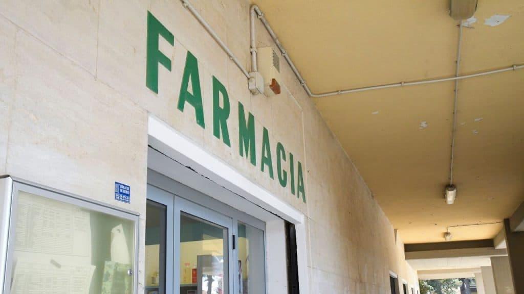 """Vercelli, farmacie vicine ai cittadini diventano """"ospedali"""""""