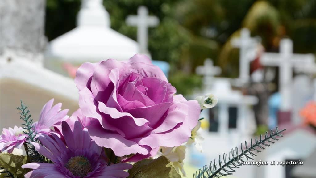 fiori in cimitero