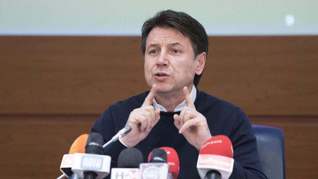Giuseppe Conte in conferenza stampa