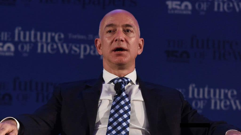 jeff bezos in primo piano