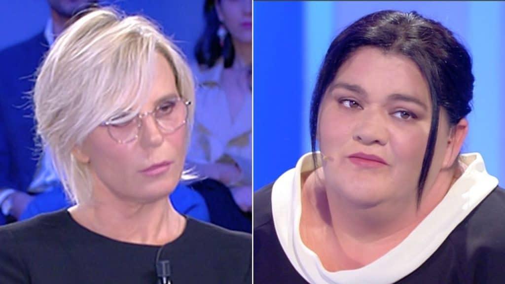 C'è Posta per Te, Maria De Filippi difende Flora dal figlio: