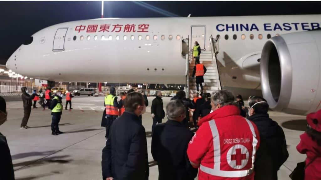 La Repubblica Ceca ha sequestrato 680mila mascherine inviate all'Italia dalla Cina per fronteggiare l'emergenza Coronavirus la denuncia di un ricercatore solleva un polverone
